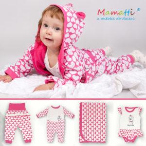 Jak ubrać niemowlę wiosną śpioszki lub pajacyk